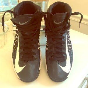 Nike Hyperdunk 524882 EUC men's 8.5 black white